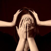 cerebro estres woman-www.tucaminodelbienestar.com